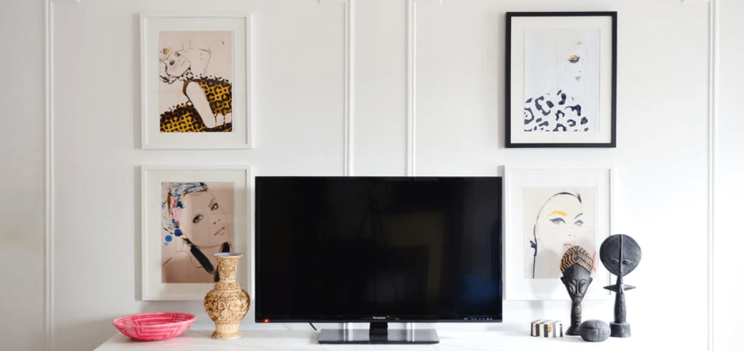 Interesting Ways to Decorate Around Your Television Paintings Featured Image