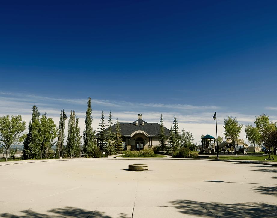 Community Spotlight Crestmont Exterior Image