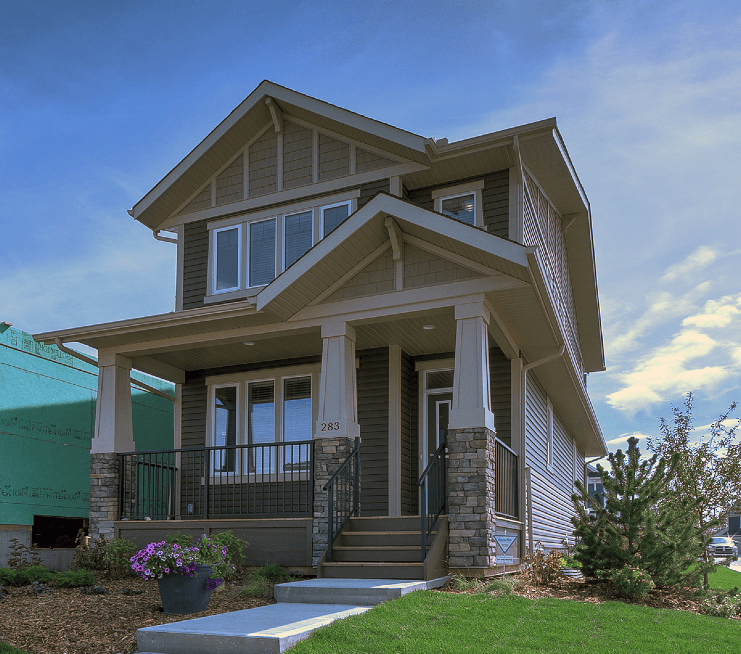 Model Feature Leyton II Exterior Featured Image