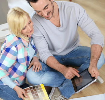 Signs It's Time to Buy a New Home Couple Image