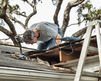 Signs It's Time to Buy a New Home Repairs Image