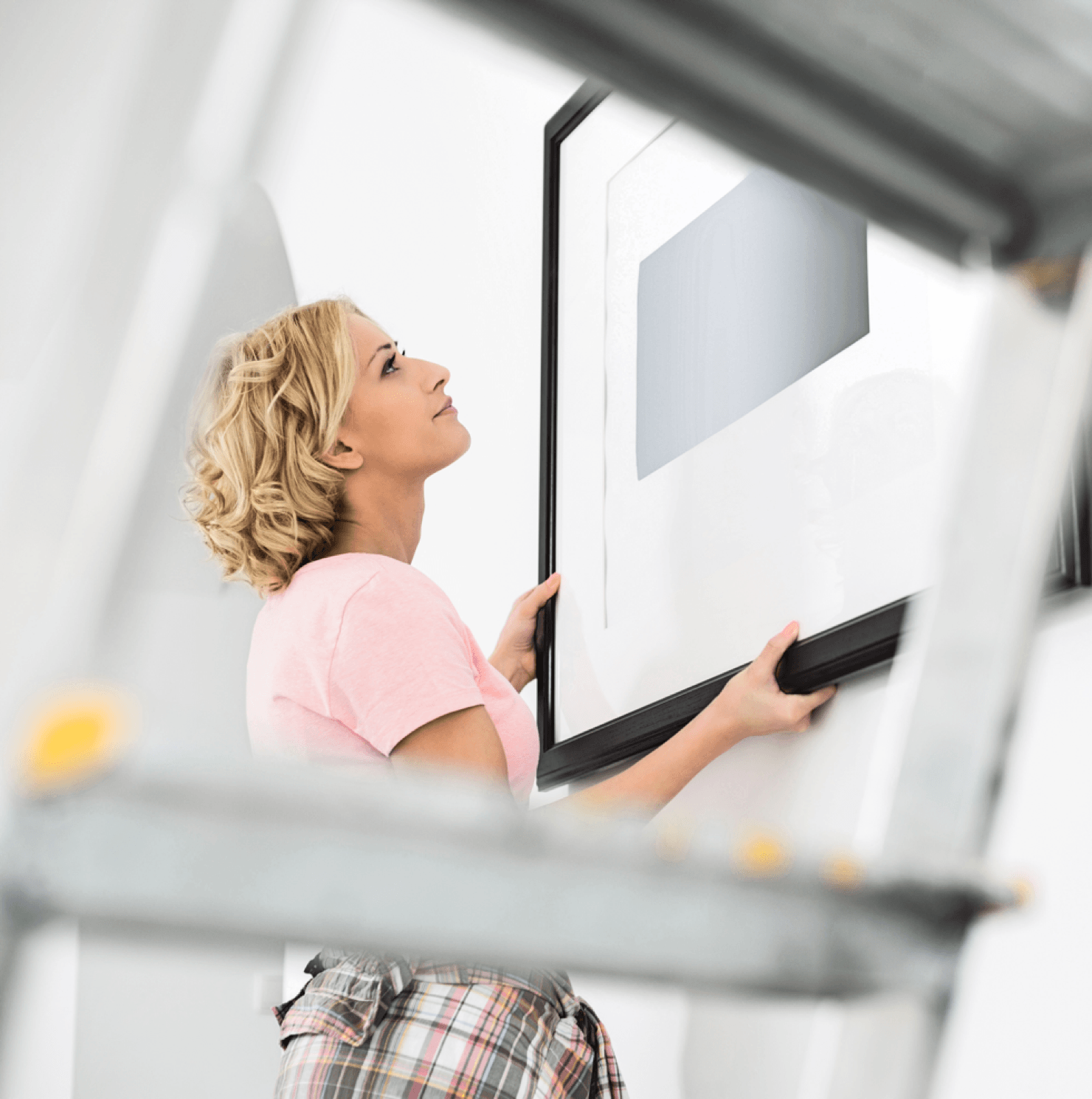9 Home Decor Mistakes You Didn't Know You Were Making Woman Picture Frame Image