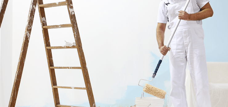 Should I Hire a Professional House Painter? Featured Image
