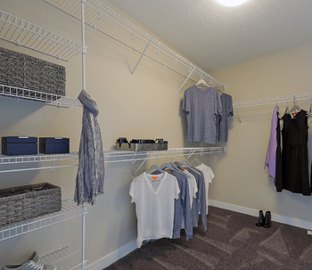 9 Important Features to Look for in a New Home Closet Image