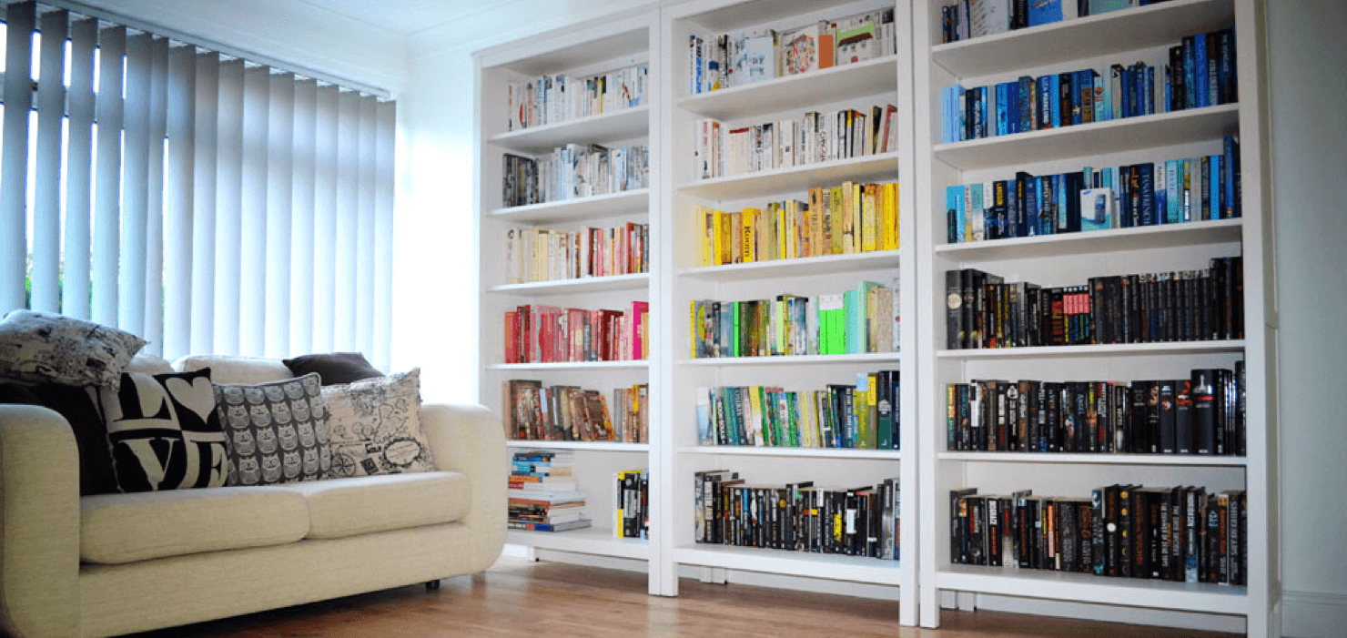Noteworthy Ways to Decorate Your Bookshelves Couch Featured Image